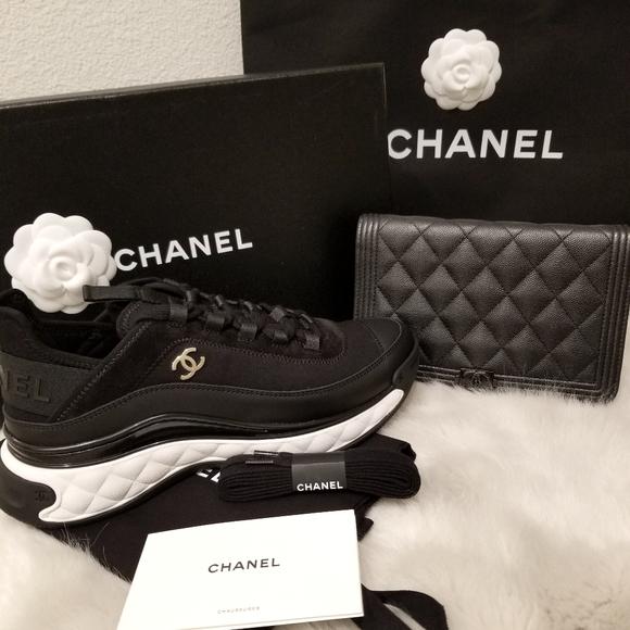 NIB 2020 Chanel Black Sneakers Runners 39/9